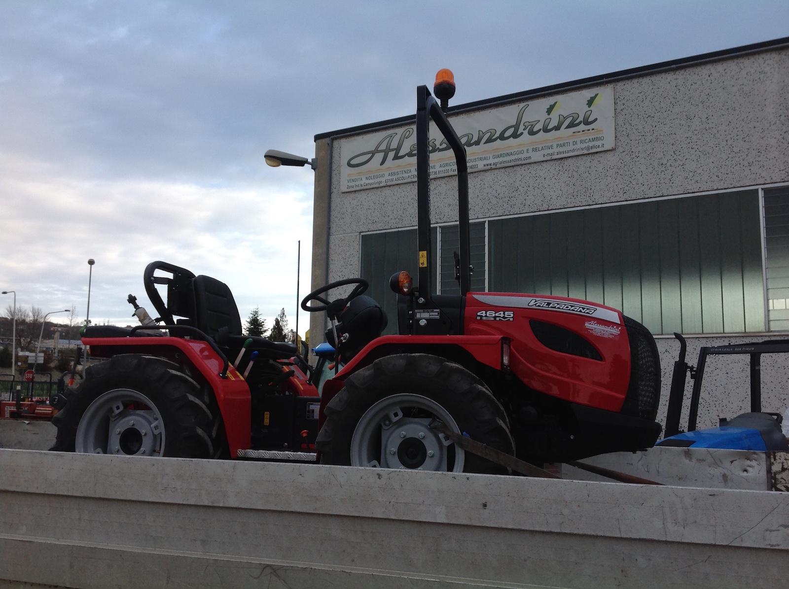Consegna trattore valpadana modello 4646 ismanche per i for Ricambi valpadana