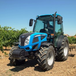 Landini REX 4 GT in campo_low
