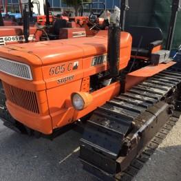Trattore marca FIAT modello 605 C super 1