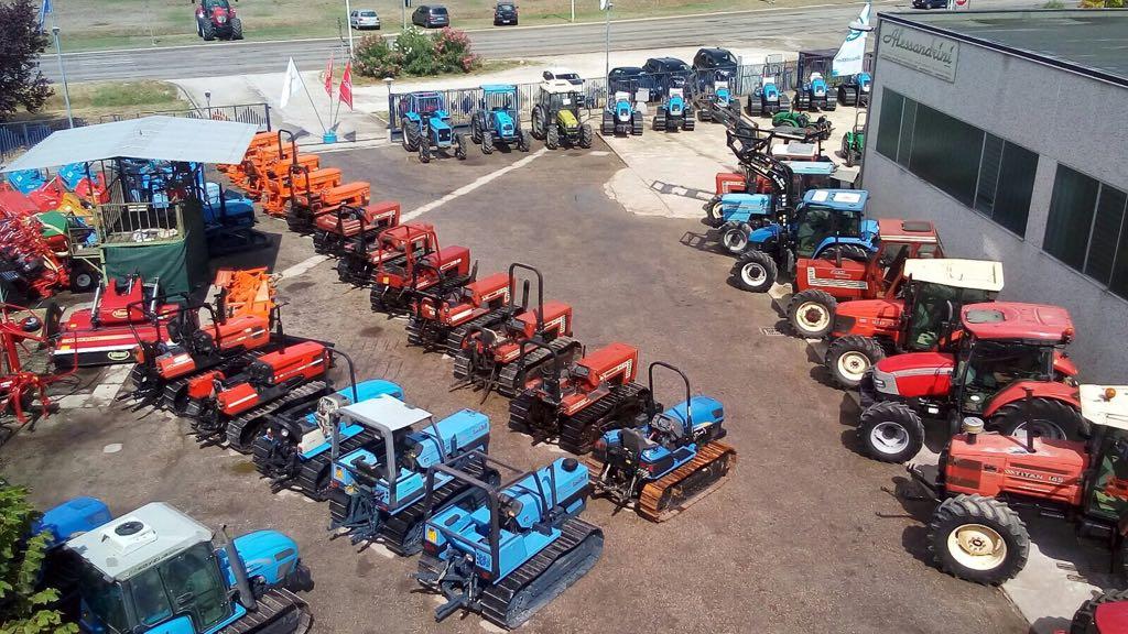 Trattori usati e macchine agricole for Attrezzi agricoli usati piemonte
