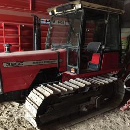 trattore marca Massey Ferguson modello 396 C foto1