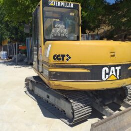 Escavatore marca CATERPILLAR modello 307 R 3